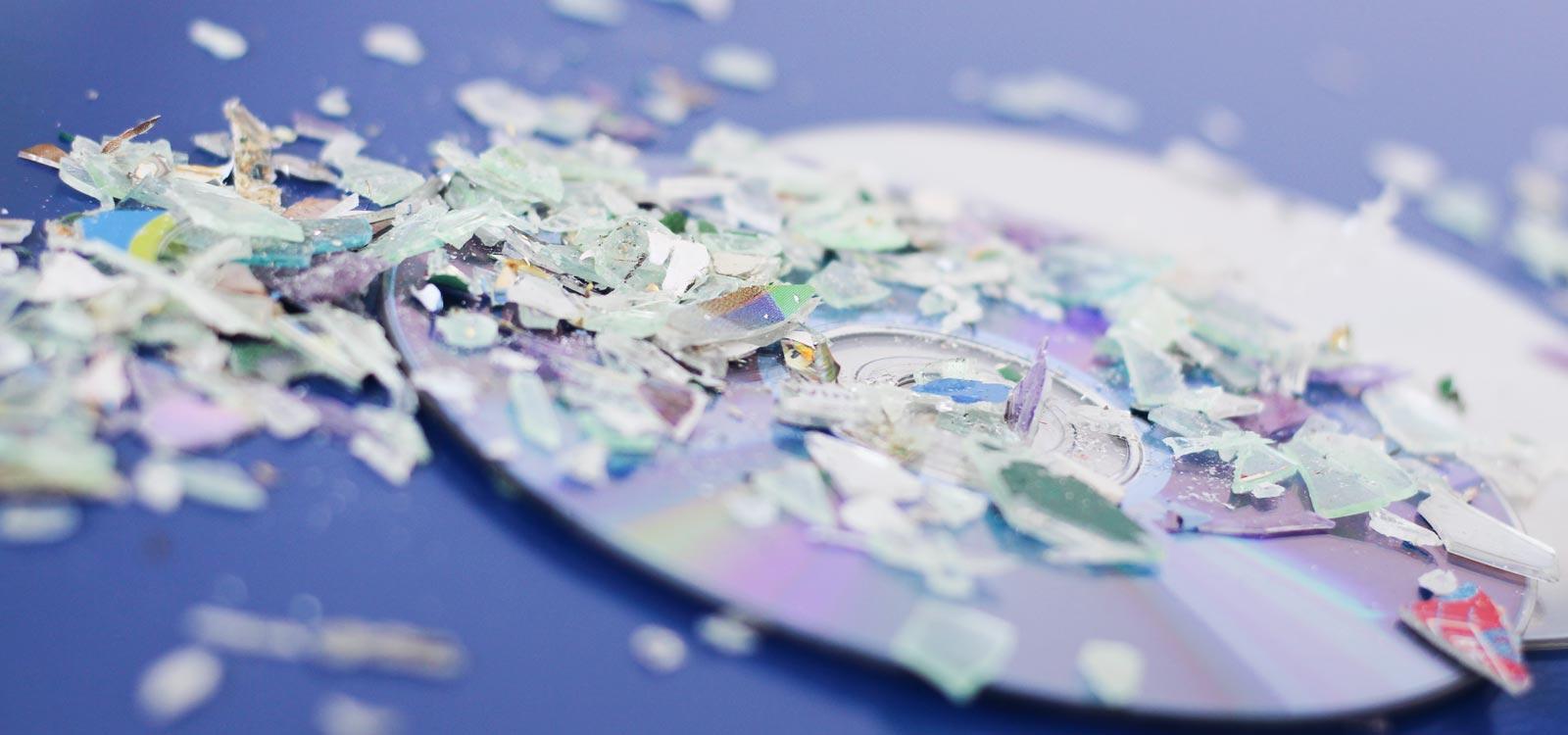 cd-versnipperaar-kopen-om-cd's-te-vernietigen-papiervernietiger